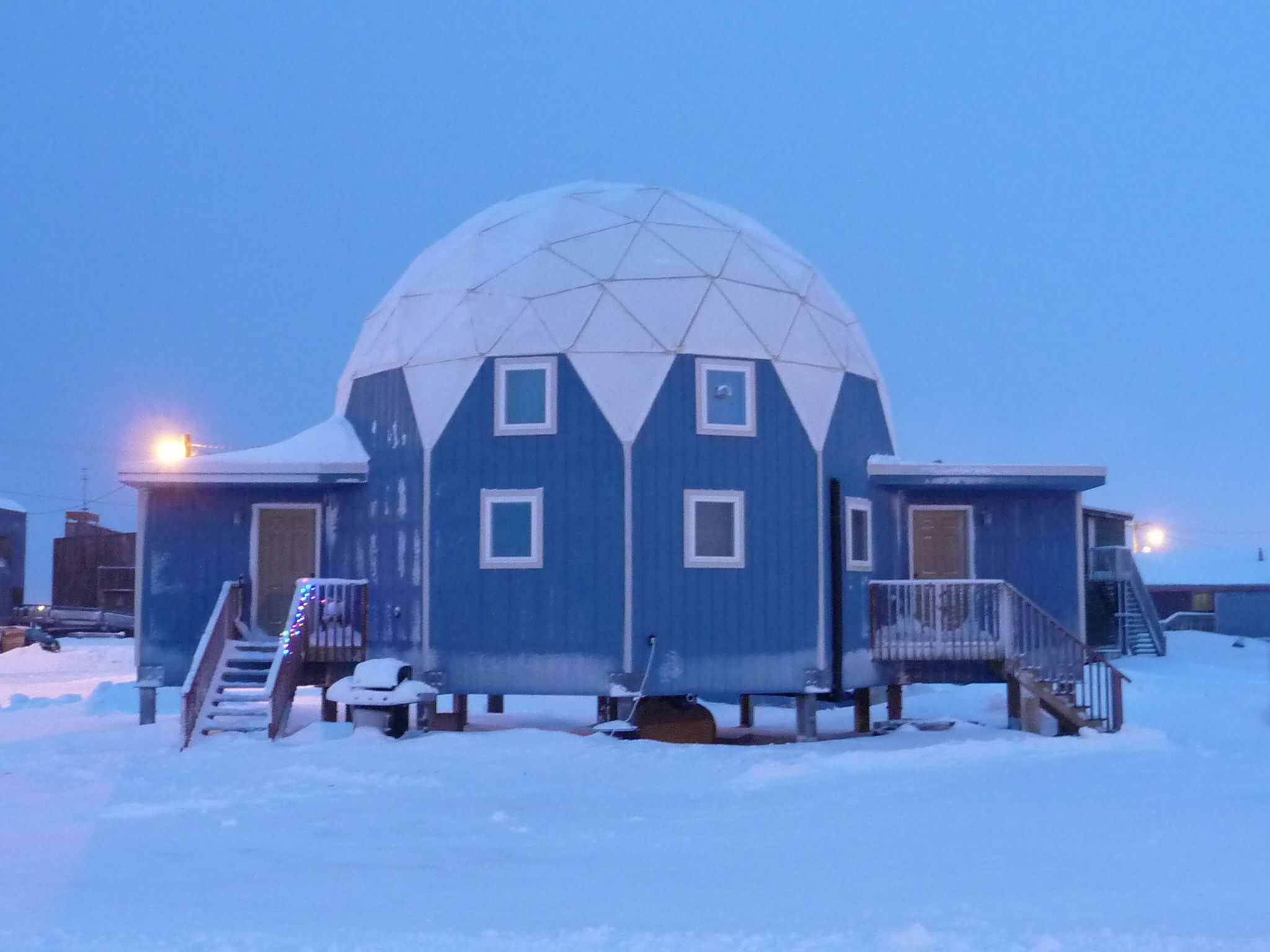 Econodome kits for Arctic house design